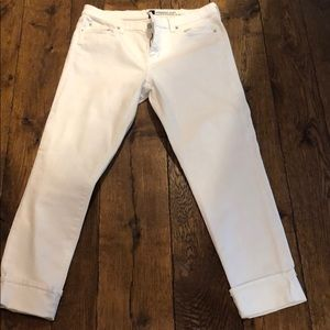 White denim cuff jean